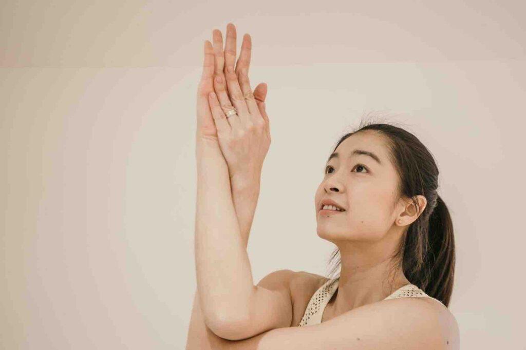 cindy-lin-專訪-阿茲海默症-運動選手-瑜珈課-線上教瑜珈